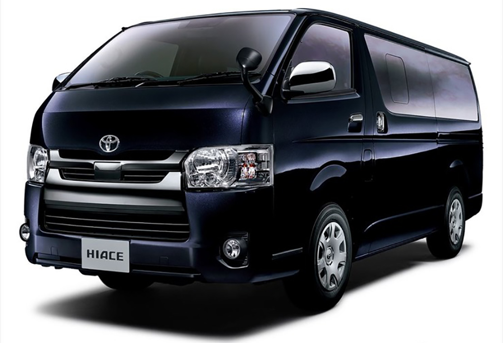 トヨタ ハイエース DARK PRIMEⅡ ディーゼル4WD